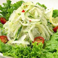 玉ねぎとセロリのタイ風春雨サラダの写真