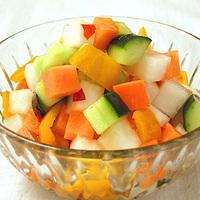 夏野菜のカラフルピクルスの写真