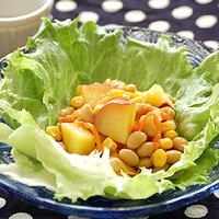 さつまいもと豆のヨーグルトサラダの写真