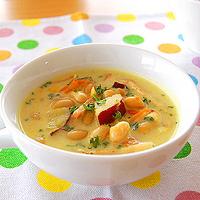 さつまいもと豆の豆乳カレースープの写真