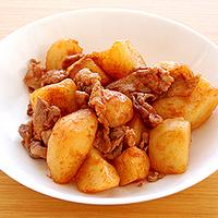 豚肉とじゃがいものケチャップソース炒めの写真