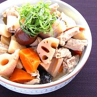 根菜ともつの味噌煮の写真