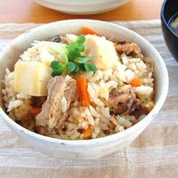 竹の子とさばの炊き込みご飯の写真