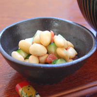 大豆ときゅうりの梅肉あえの写真