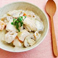 根菜とチキンのクリーム煮の写真