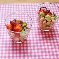 アボガドと豆の塩昆布サラダの写真